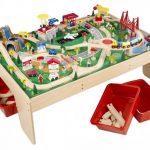 Dřevěné hračky mohou být opravdu krásné a ideální ke stimulaci tvořivosti dětí